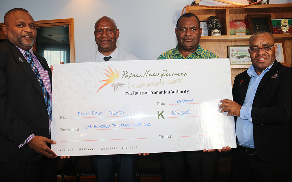 PNG Tourism Promotion Authority sponsors rehabilitation of Raun Raun Theatre